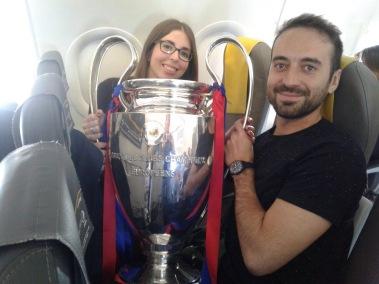 Min bäste unge katalanske vän Jordi och hans tjej Paula på väg till Wembley för att fira 25-årsjubileet. Jordi var 5 år gammal den där majkvällen...